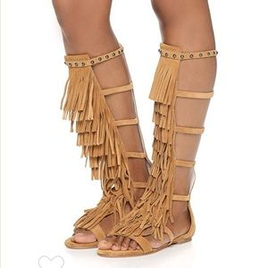 ⚡️55% OFF! Alice + Olivia Fringe Gladiator Sandals